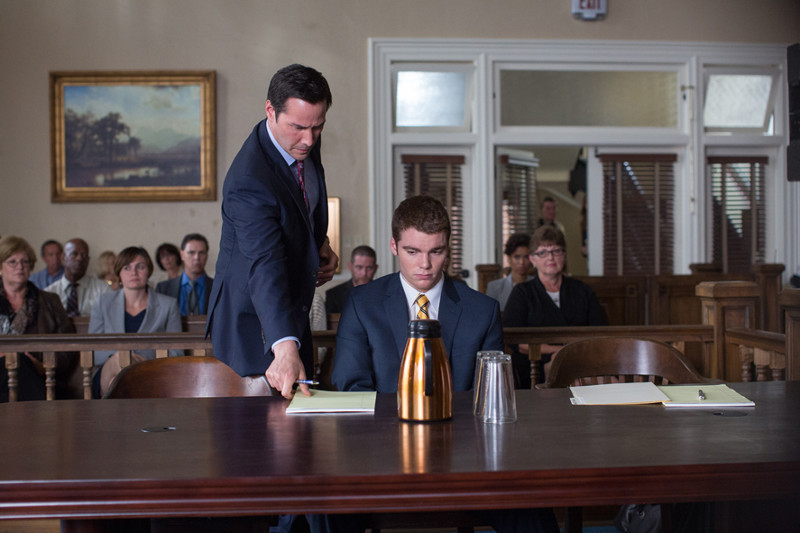 Ramsay soll den jungen Mike (Gabriel Basso) vor dem Gefängnis bewahren. (© EuroVideo Medien GmbH)
