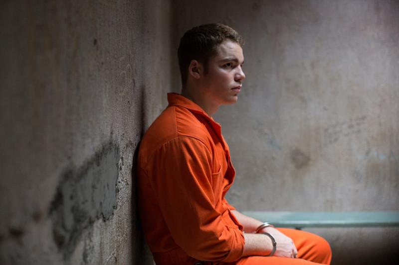 Das Problem an dem Fall: Der junge Mike äußert sich mit keinem Wort zum Tatvorwurf, er habe seinen Vater Boone ermordet. (© EuroVideo Medien GmbH)