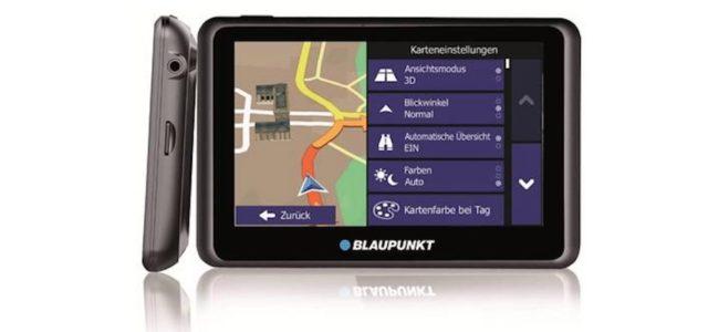 Blaupunkt: Mobile Navis mit Aktiver Halterung und Stauinformationen via Internet