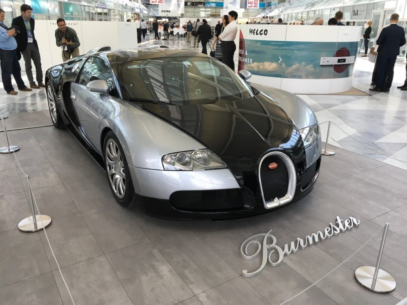 High-End-Sound im High-End-Auto. Hier mit Burmester im Bugatti.