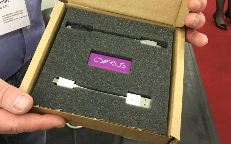 """""""Cyrus goes mobile"""" - gemäß dieses Slogans präsentiert die britische Klangschmiede seinen ersten mobilen DAC/Kopfhörerverstärker. Test folgt ..."""