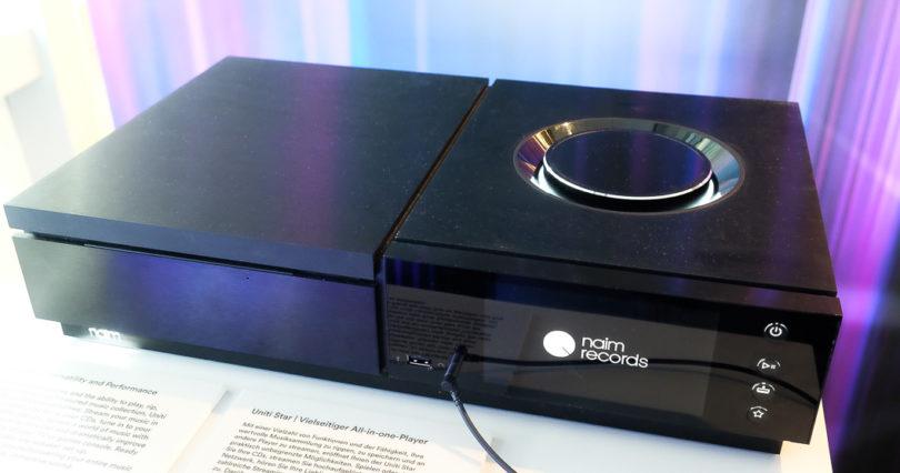 Edle Vielfalt: Der Naim Uniti Star ist ein All-in-one-Player, ein CD-Spieler mit Streaming- und Verstärkertechnik. Er kann die CD-Sammlung rippen, speichern und, im Netzwerk eingebunden, an andere Player streamen - natürlich in hochauflösender Qualität. Der Uniti Star bietet noch mehr: UPnP-Streaming bis zu 32 Bit/384 kHz bzw. DSD 128, TIDAL Online-Streaming in CD-Qualität, Spotify Connect Online-Streaming und Webradio via vTuner. Späten Muskgenuss ermöglicht der frontseitige Kopfhöreranschluss (Preis: 3.998 Euro).
