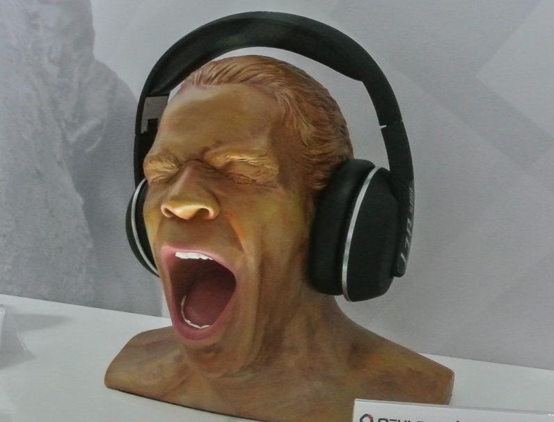 Immer wieder ein Hingucker: Der Oehlbach Scream Anniversary ist der vieilleicht originellste Kopfhörerständer (Preis: 199 Euro).