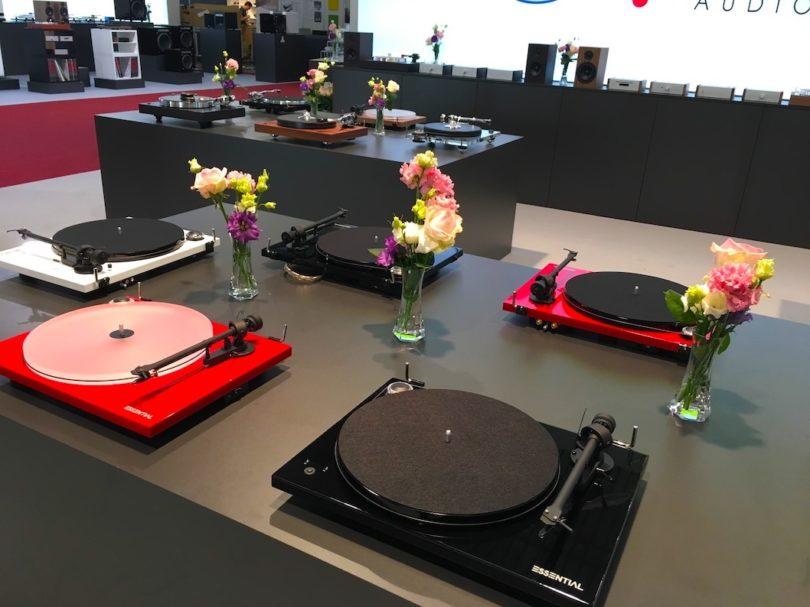 Überhaupt gibt es bei Pro-Ject jede Menge Vinyl-Dreher zu bestaunen ...