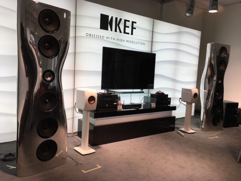 Gestatten, Ihre Majestät! KEF präsentiert den wahrscheinlich aufregendsten Lautsprecher der Messe, die Muon. Preis: um 160.000 Euro/Paar.