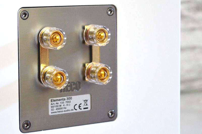 Das Anschlussterminal der Elementa 300 ermöglicht auch Bi-Wiring und Bi-Amping.