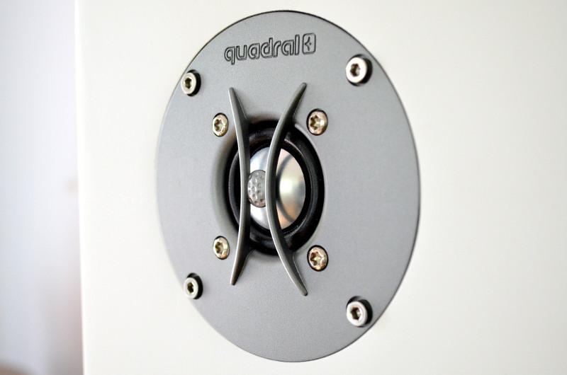 Der 25-mm-Aluminiumhochtöner ist gut geschützt.