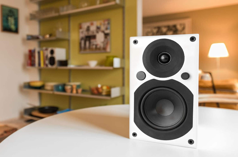 Mit der Saxo 5 active hat sich System Audio bewusst und wortwörtlich selbst übertroffen.