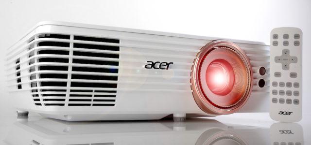 Acer V7850 – portabler 4K-Projektor mit Heimkino-Gen