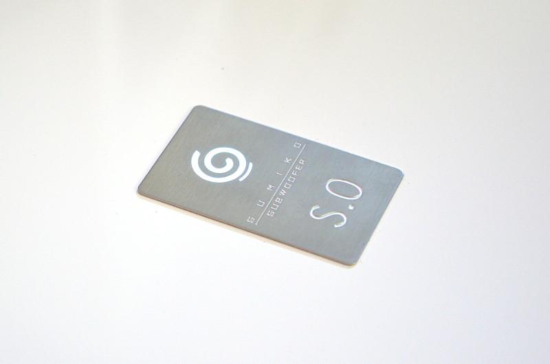 Der Einfluss der Design-Spezialisten von Sonus Faber zeigt sich in edlen Details wie dem Logo auf der Oberseite.