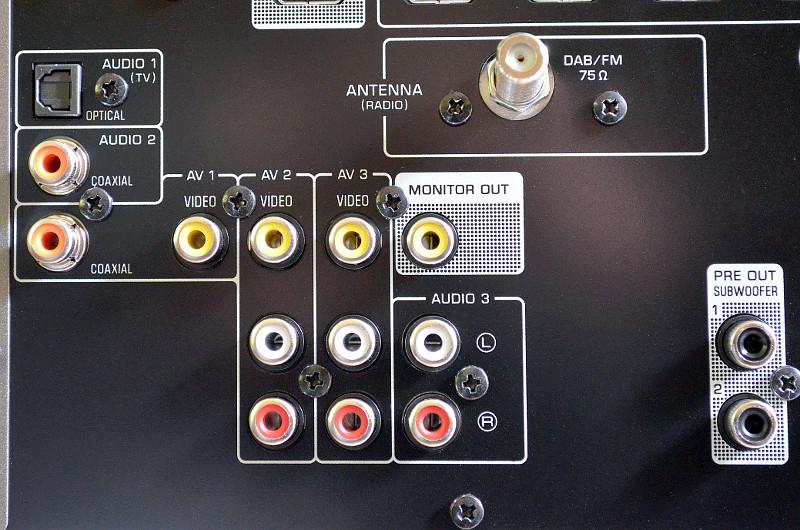 Der RX-A670 bietet selbstverständlich auch reichlich Anschluss-Möglichkeiten für reine Audioquellen.