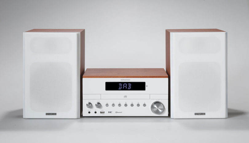 Zurück zu den HiFi-Wurzeln: Kenwood präsentiert auf der IFA 2017 das neue kompakte Stereosystem M-817DAB mit Digitalradio-Tuner und Bluetooth Audio-Streaming.