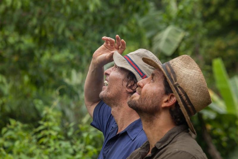 Der Kleinkriminelle Kenny Wells (Matthew McConaughey) und der zwielichtige Geologe Michael Acosta (Édgar Ramírez) haben große Pläne. (© Studiocanal)