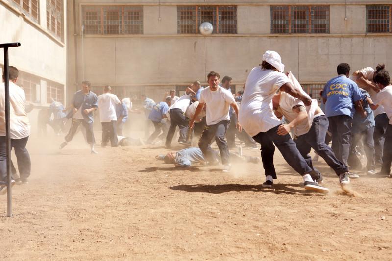Die Gewalt im Knast bringt Jacob an seine Grenzen. (© Constantin Film)