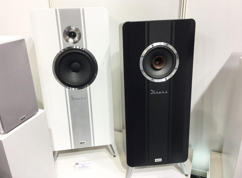 Die Heco Direkt (links, Stückpreis: 1.500 Euro) begründet die neue Serie, die Heco Einklang (schwarz, Stückpreis um 1.000 Euro) stellt das neueste Mitglied dieser aussergewöhnlichen Lautsprecherfamilie.