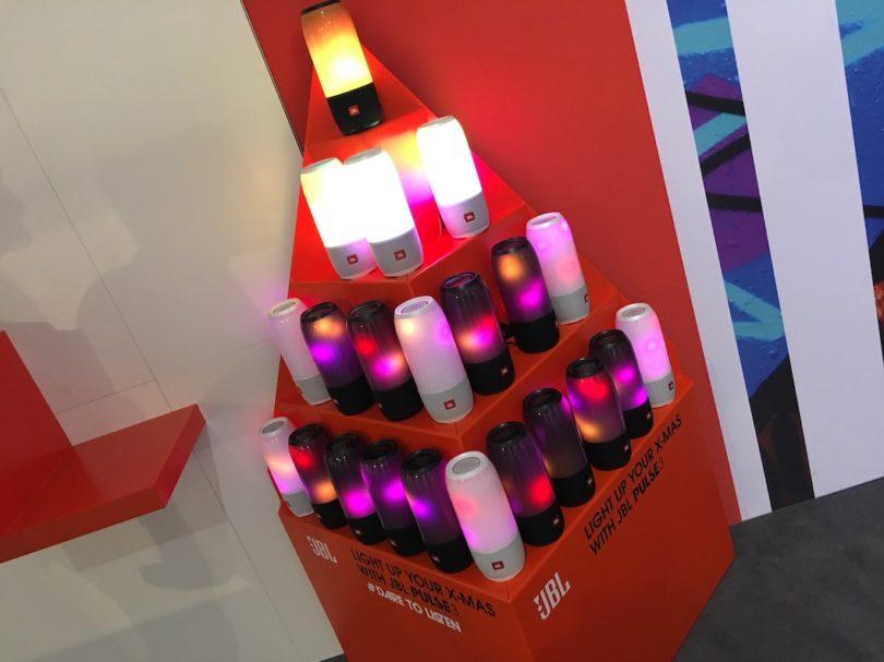 Es werde Licht: JBL zeigt seinen Pulse 3 ...