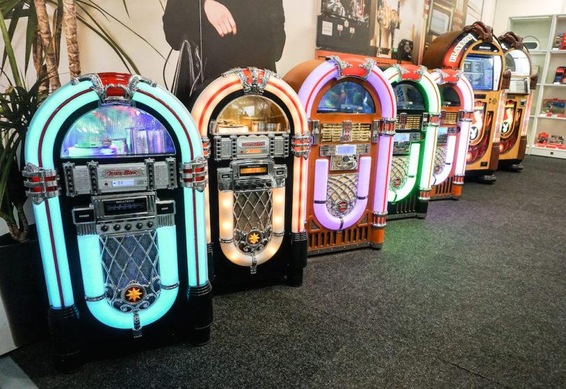 Ricatech lässt die gute, alte Jukebox wieder aufleben – natürlich mit heutiger Technik.
