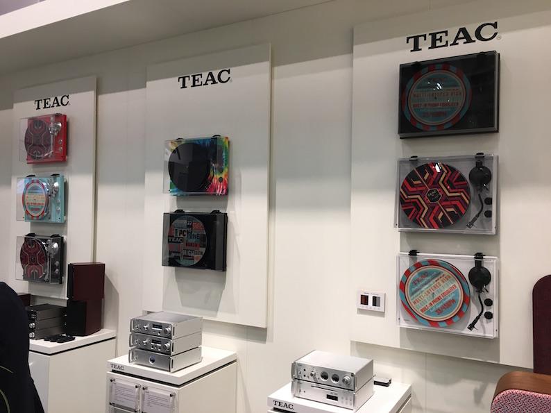 TEAC setzt auf Vinyl. Das aktuelle Produktportfolio umfasst gleich vier Modelle unterschiedlichster Ausstattung.