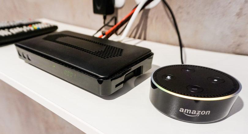 Das ist der Fernseh-Bedien-Komfort der Zukunft: Xoros TV-Receiver-Prototyp wird über Amazons Sprachsteuerung Alexa befehligt und beherrscht die dafür nötigen Amazon Skills.