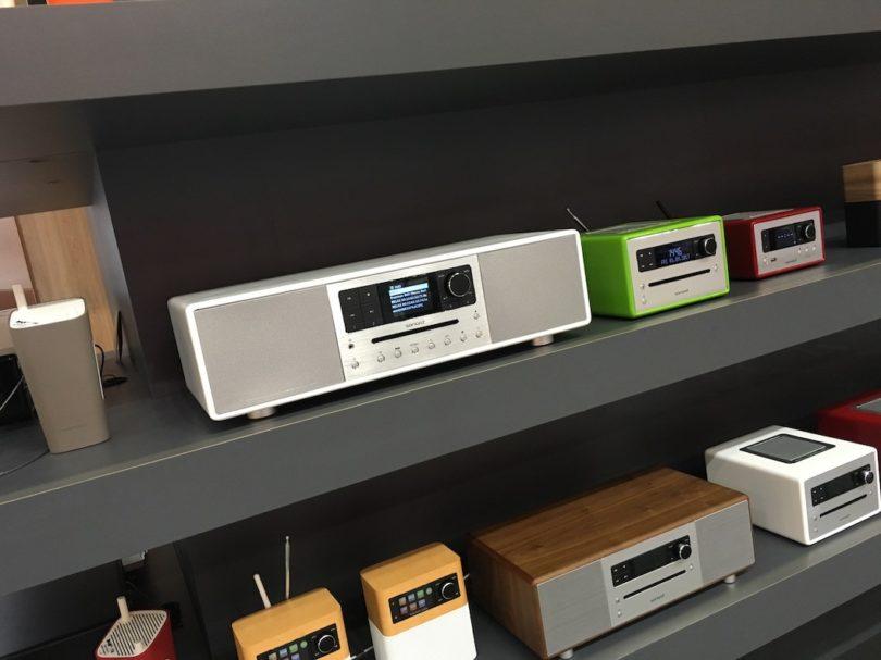 Das sonoro-Programm wächst ... Wie in den vergangenen Jahren war es auch diesmal stylisch und stilvoll bei den Rheinländern, sie genau wissen wie man Design, Ausstattung und Klang perfekt miteinander vereint.