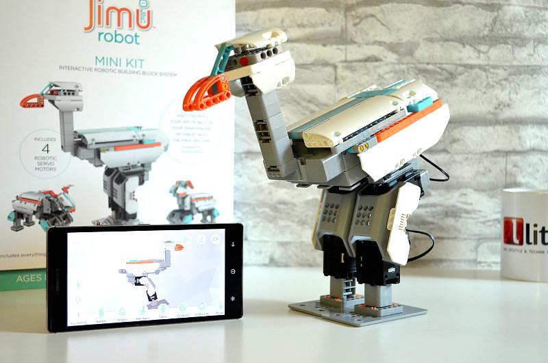 Spielspaß mit Lernfaktor: Das Jimu Robot Mini Kit ist dank App-Steuerung ein schöner Zeitvertreib für kleine und große Kinder.