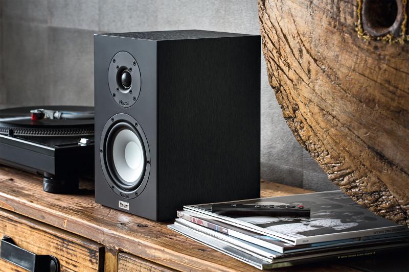 Edle Optik und modernes Innenleben: Das aktive Stereo-Set Multi Monitor 220 von Magnat wird allen Ansprüchen an ein HiFi-System gerecht.