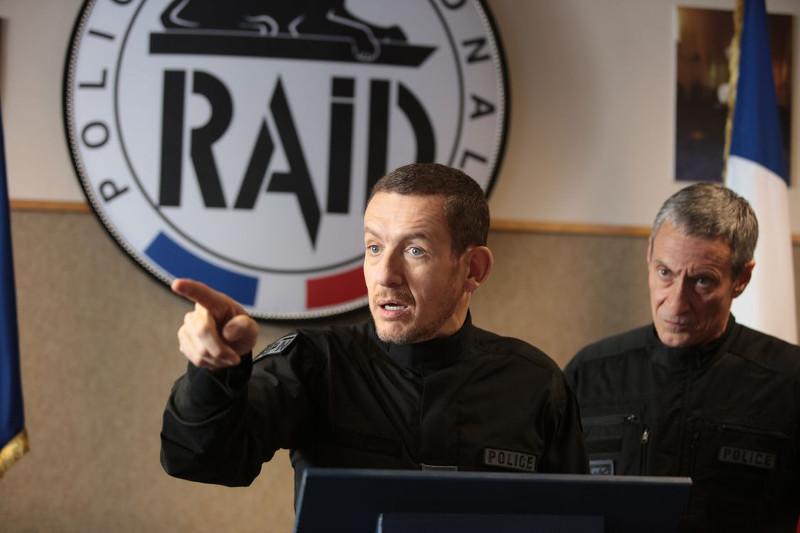 Johannas größtes Ziel ist es, Teil der Eliteeinheit RAID von Offizier Froissard (Dany Boon) zu werden. (© Ascot Elite)