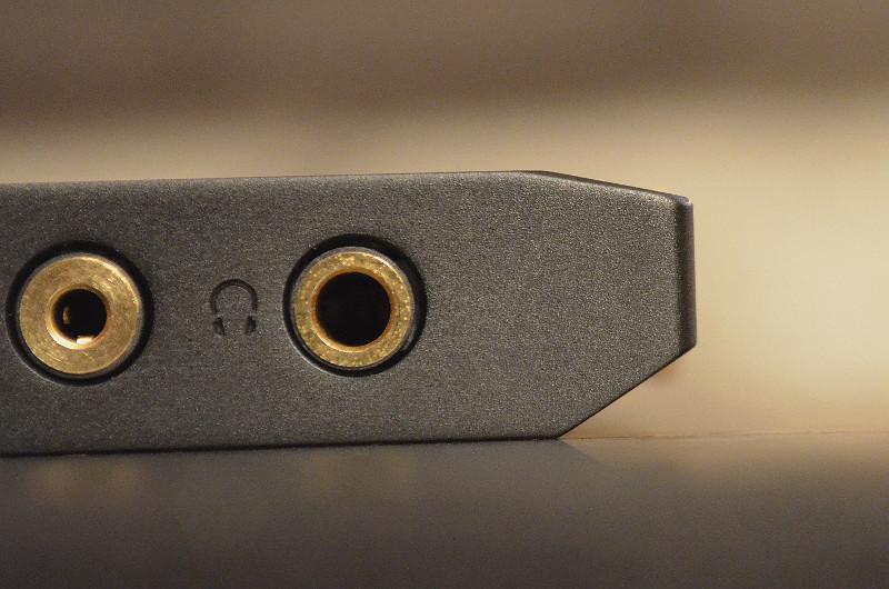 Dank clever designter Gehäusekonturen liegt der XDP-300R stets gut in der Hand.