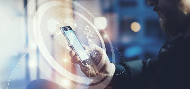 Mit Smartphone, Tablet und Co.: Unterwegs traden und Geld verdienen