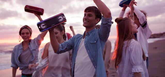 Mittendrin statt nur dabei: Drei kabellose Lautsprecher von Sony mit EXTRA BASS