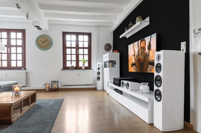 quadral chromium style atmos set alles gute kommt von oben lite das lifestyle technik magazin. Black Bedroom Furniture Sets. Home Design Ideas