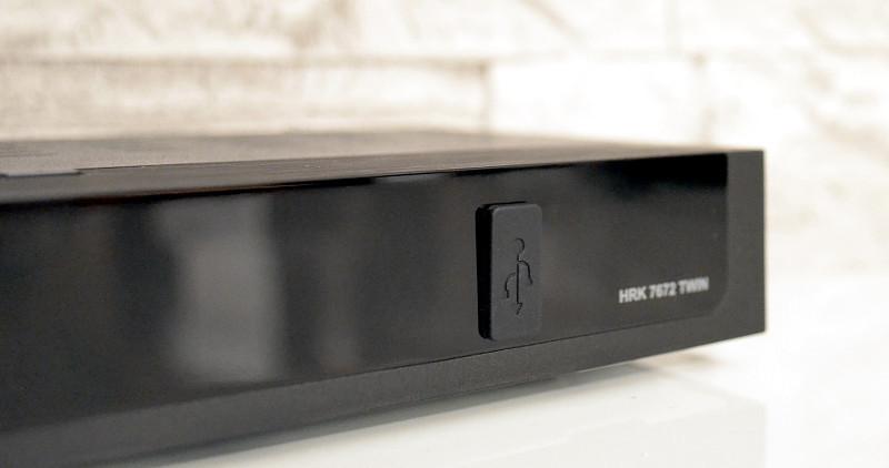 Zusätzlich zu den Anschlüssen auf der Rückseite hält der Xoro-Receiver auch in der Front eine USB-Schnittstelle bereit.