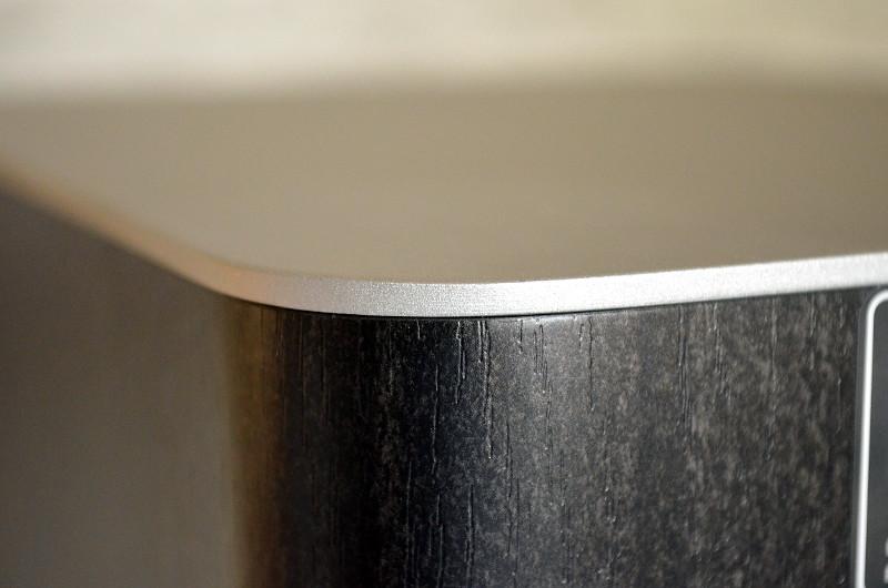 Der Mix aus Holz und Aluminium zeugt von Eleganz und Stil.