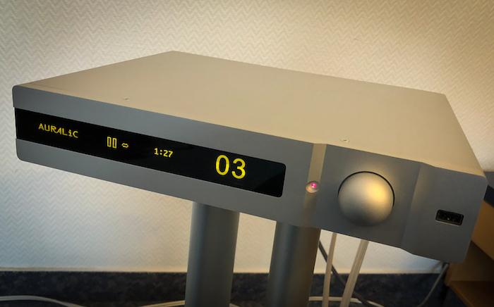 Streaming-Verstärker par excellence: Den Auralic Polaris hatten wir ja bereits im Test und waren schwer begeistert. In Hamburg war das schick designte und grandios aufspielende Audio-Highlight ebenfalls zugegen.