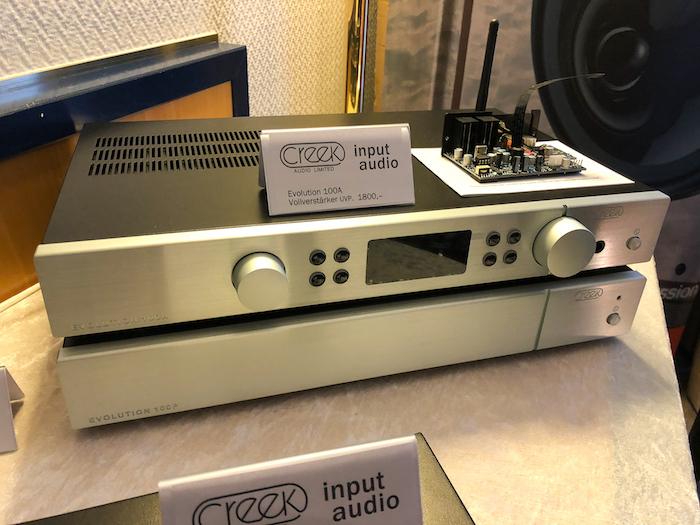 U.a. noch zu sehen: der Vollverstärker Evolution 100A sowie die Stereo-Endstufe Evolution 100P mit einer Leistung von 2x170 Watt (4 Ohm).