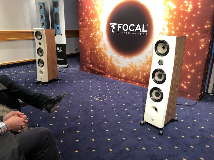 Focal gehört seit jahren zu den renommiertesten Lautsprechermarken der Welt. In Haburg stellte die französische Klangschmiede ihre brandeue Kanta No.2 Standbox vor.