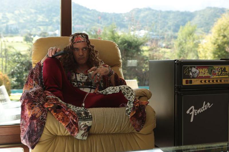 Rockstar Turk Henry (Antonio Banderas) ist für seine Exzesse ebenso berühmt wie für seine Songs. (© Ascot Elite)