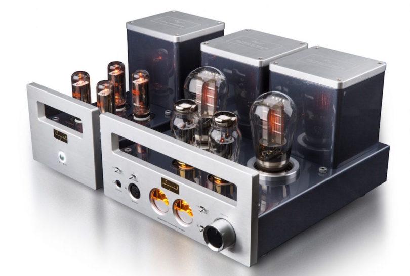 Röhren gehören zur High End: Der Cayin HA-300 ist ein zweiteiliger 300B Röhren-Verstärker, dediziert für den Einsatz an hochwertigen Kopfhörern entwickelt.