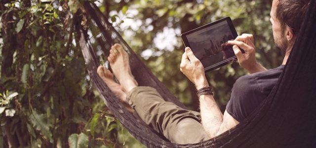 devolo bringt WLAN in den Garten: neuer WiFi Outdoor Adapter trotzt jedem Wetter