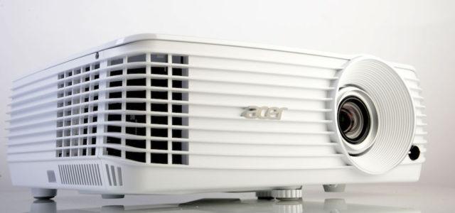 Acer H6810 – Ultraheller 4K-Projektor für Top-Entertainment im Wohnzimmer