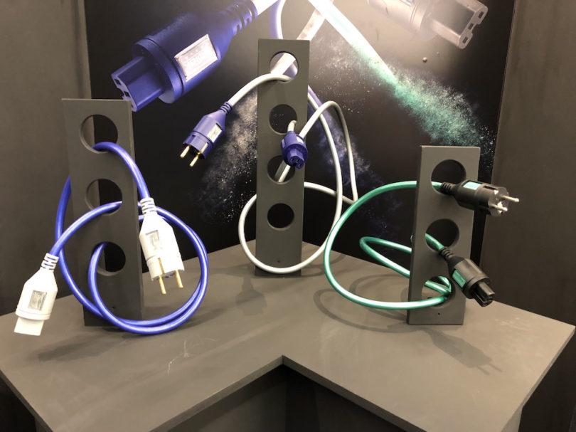 Nicht brandneu aber ebenfalls hochinteressant und erschwinglich: die Modelle EVO3 Premier und EVO3 Sequel. Sie dienen als perfekte Ergänzung für IsoTek-Netzleisten.