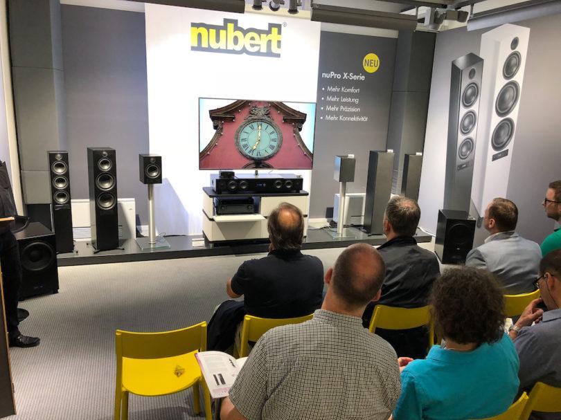 IN der Vorführung präsentierte Nubert seine nuPro-X-Modelle dann in 5.1-Version mit vollständig kabelloser Signalzuspielung.