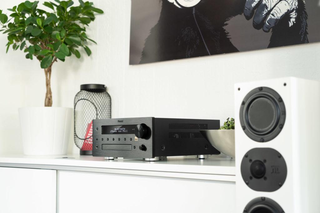 Der Multi-Receiver MC 100 von Magnat verknüpft klassisches und modernes HiFi auf sehr hohem Niveau.