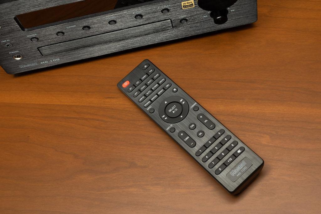 Dank des Signalgebers lässt sich der MC 100 auch bequem vom Sofa aus bedienen.