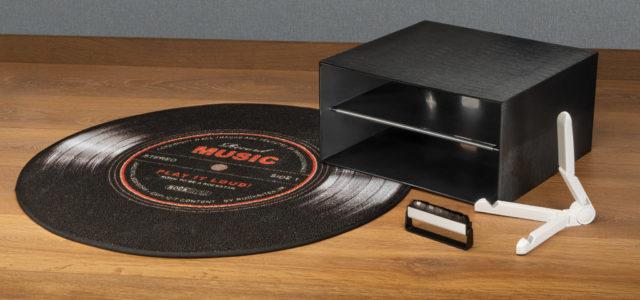 Protected Kohlefaserbürste, LP-Box, Cover-Ständer – Hilfreiches Zubehör für Vinylisten