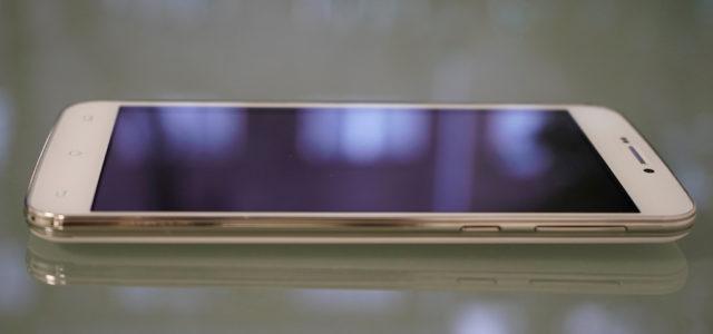 Hiprotec verspricht Schutz vor Glasbruch und Reduzierung von Keimen bei Smartphones oder Tablets