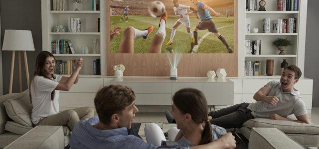 Vorhang auf: LG Projektoren bringen beste BildqualitäŠt in jedes Heimkino