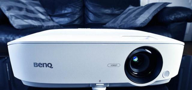 BenQ TH535 – Preiswerte Lichtkanone für XXL-Heimkinobilder im Wohnzimmer