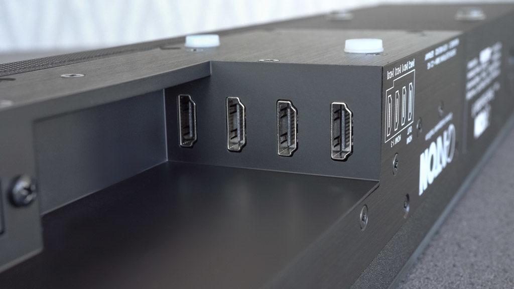 An der Smart Soundbar 9 finden bis zu vier HDMI-Kabel Anschluss.