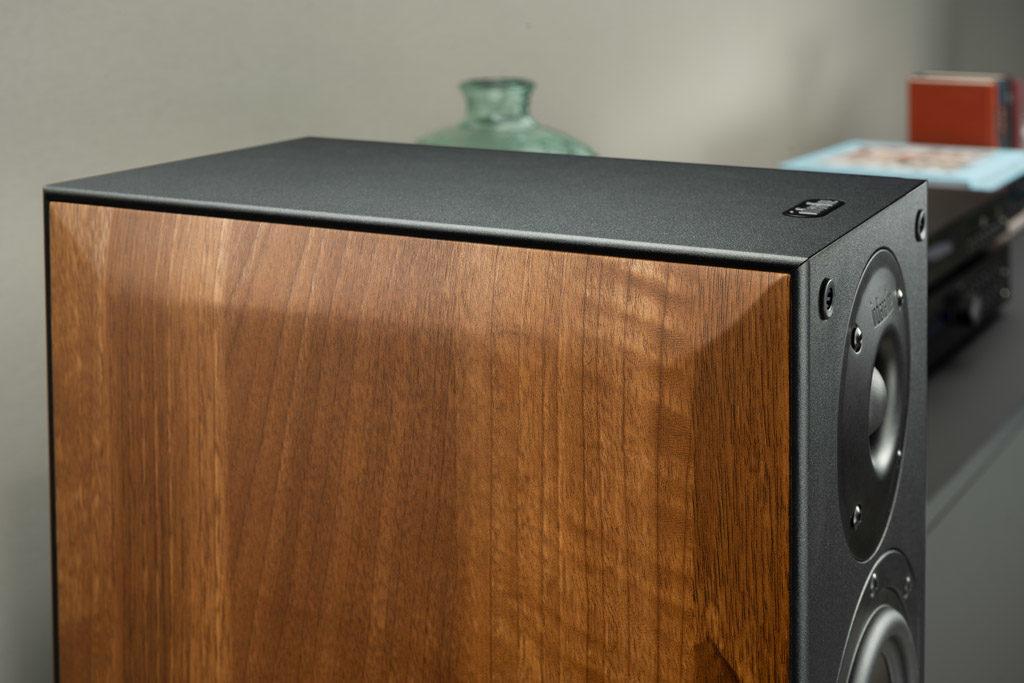 Die Seitenwangen der Nota 550 X sind foliert, stehen Echtholz optisch allerdings in keinster Weise nach.